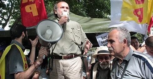 Bir Keşif İsyanının Ardından Siyaset*